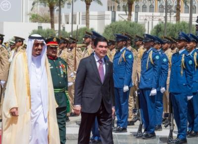 الملك يستقبل رئيس تركمانستان.jpg8