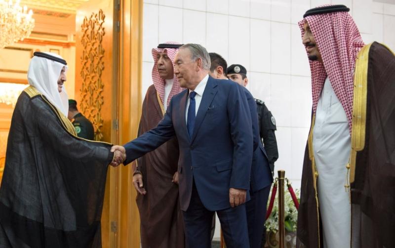 الملك يستقبل رئيس جمهورية كازاخستان (35914245) 