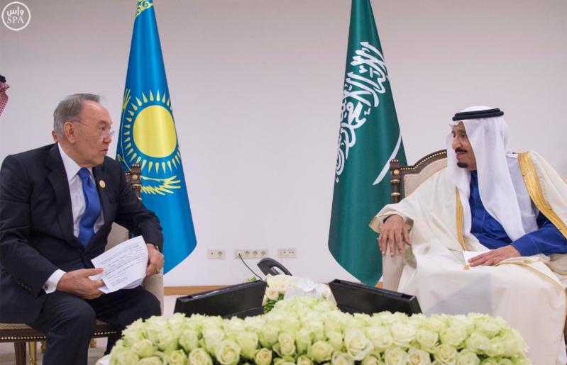 الملك يستقبل رئيس جمهورية كازاخستان