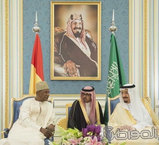 الملك يستقبل رئيس غينا14