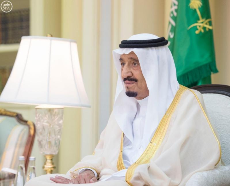 الملك يستقبل عددًا من الوزراء وكبار رجال الدولة5