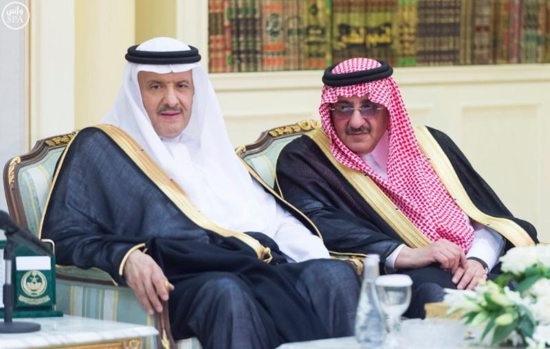 الملك يستقبل عددًا من الوزراء وكبار رجال الدولة6
