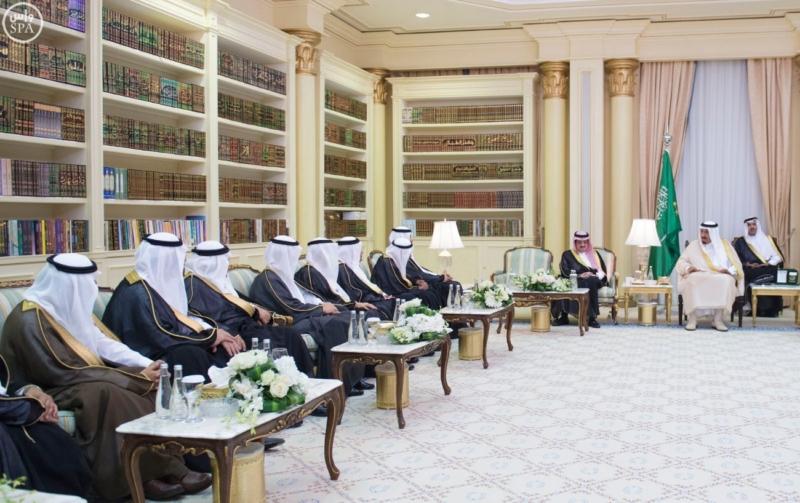 الملك يستقبل عددًا من الوزراء وكبار رجال الدولة7