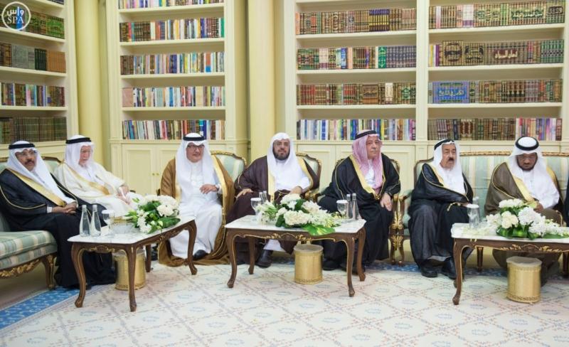 الملك يستقبل عددًا من الوزراء وكبار رجال الدولة8
