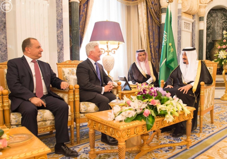 الملك يستقبل مجموعة الشرق الاوسط