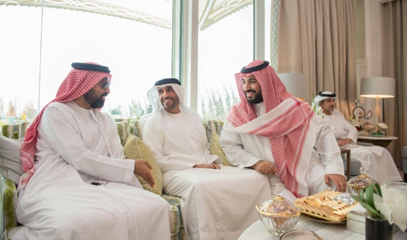 الملك يستقبل محمد بن زايد 11