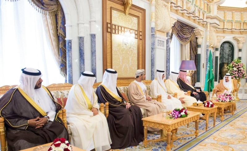 الملك يستقبل وزراء مجلس التعاون1