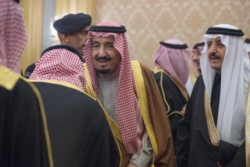 الملك يشرف حفل زواج ابناء اخيه الامير احمد بن عبدالعزيز (1) 