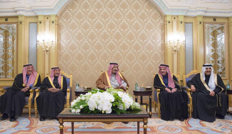 الملك يشرف حفل زواج ابناء اخيه الامير احمد بن عبدالعزيز (34669061) 