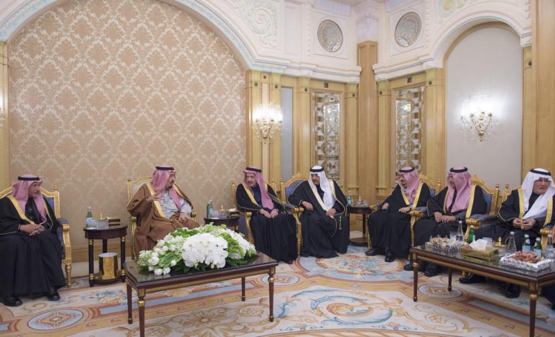 الملك يشرف حفل زواج ابناء اخيه الامير احمد بن عبدالعزيز (34669063) 