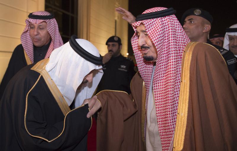 الملك يشرف حفل زواج ابناء اخيه الامير احمد بن عبدالعزيز (34669068) 
