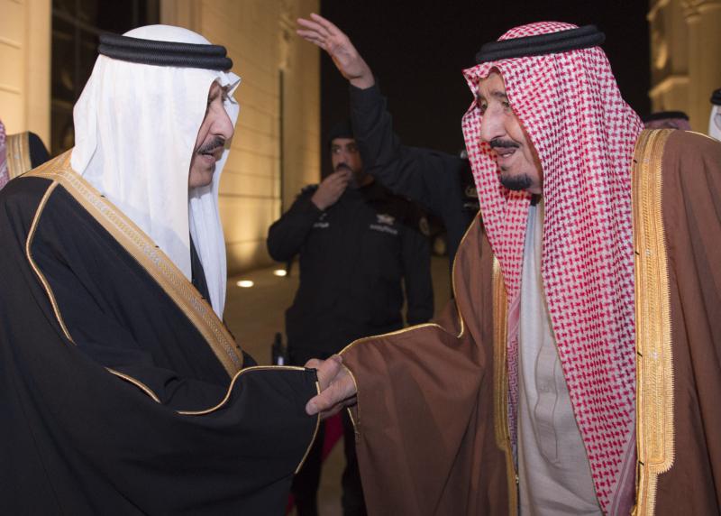 الملك يشرف حفل زواج ابناء اخيه الامير احمد بن عبدالعزيز (34669069) 