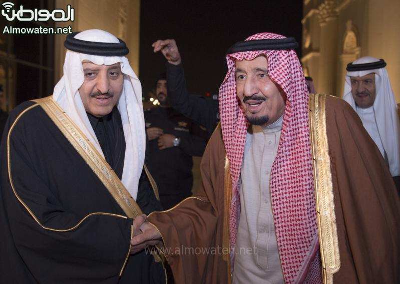 شاهد بالصور .. الملك يشرف حفل زواج أبناء أخيه الأمير أحمد بن عبدالعزيز