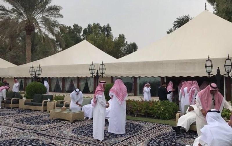 الملك يشرف مادبة غداء محمد بن فهد (4)