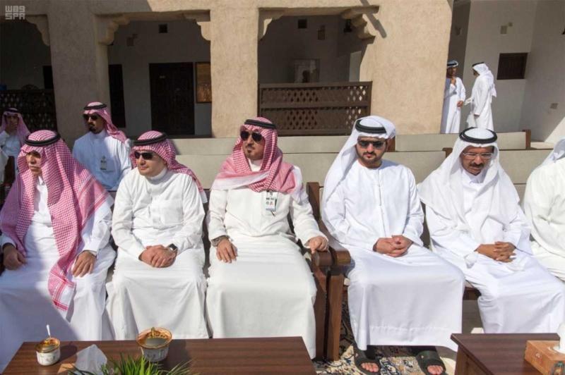 الملك يصل إلى إمارة دبي.jpg13