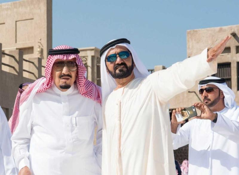 الملك يصل إلى إمارة دبي.jpg1