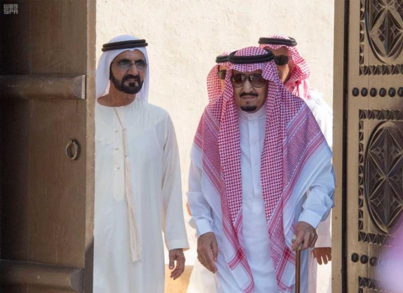 الملك يصل إلى إمارة دبي.jpg2