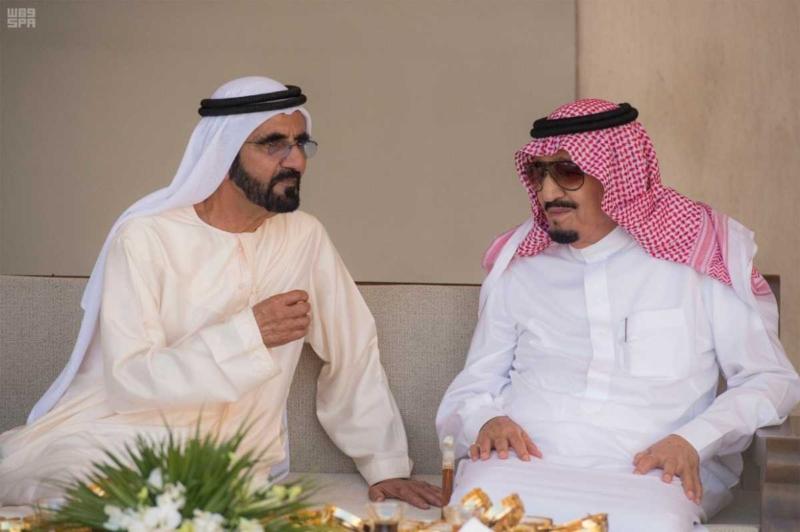 الملك يصل إلى إمارة دبي.jpg7