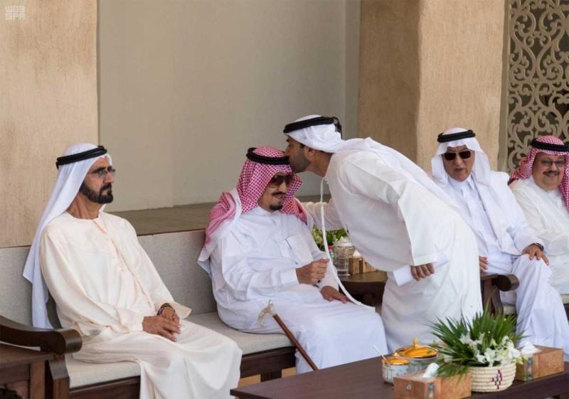 الملك يصل إلى إمارة دبي.jpg9