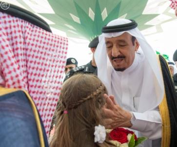 الملك يصل الى جدة قادم من الرياض2