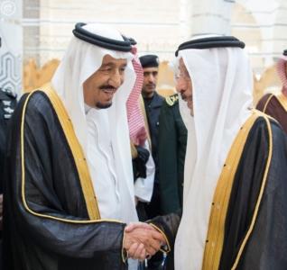الملك يصل الى جدة قادم من الرياض7