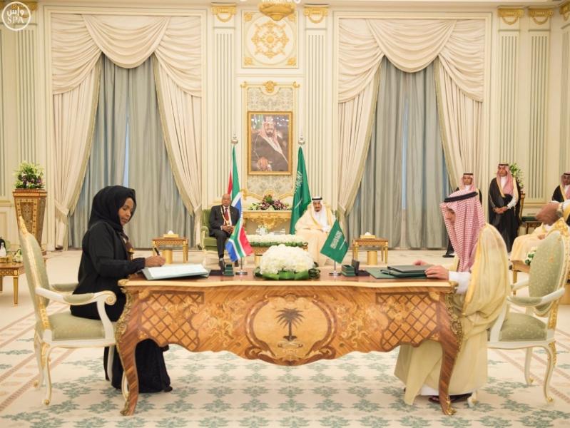الملك يعقد جلسة مباحثات مع الرئيس الجنول افريقي4