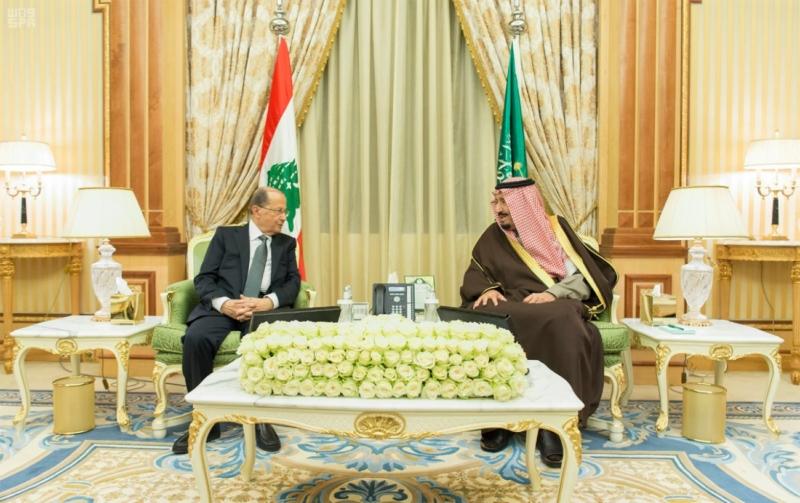 الملك يعقد جلسة مباحثات مع الرئيس اللبناني (1) 