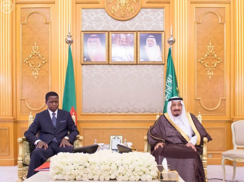 الملك يعقد جلسة مباحثات مع رئيس زامبيا