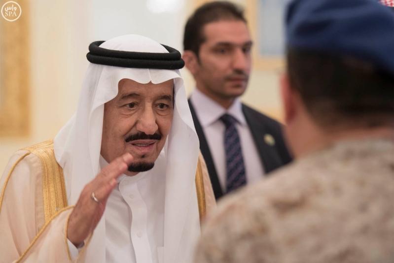 الملك يغادر الرياض1
