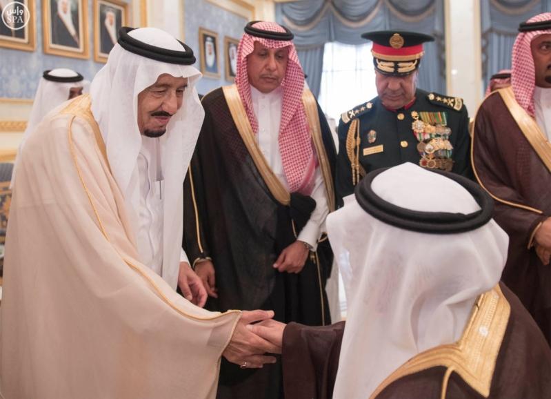 الملك يغادر الرياض2