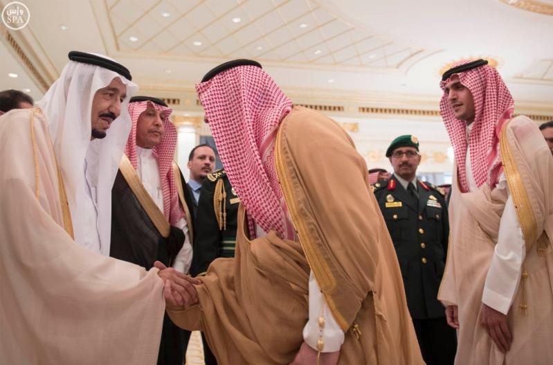 الملك يغادر الرياض3
