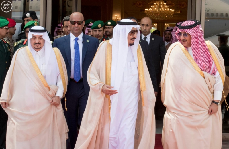 الملك يغادر الرياض7