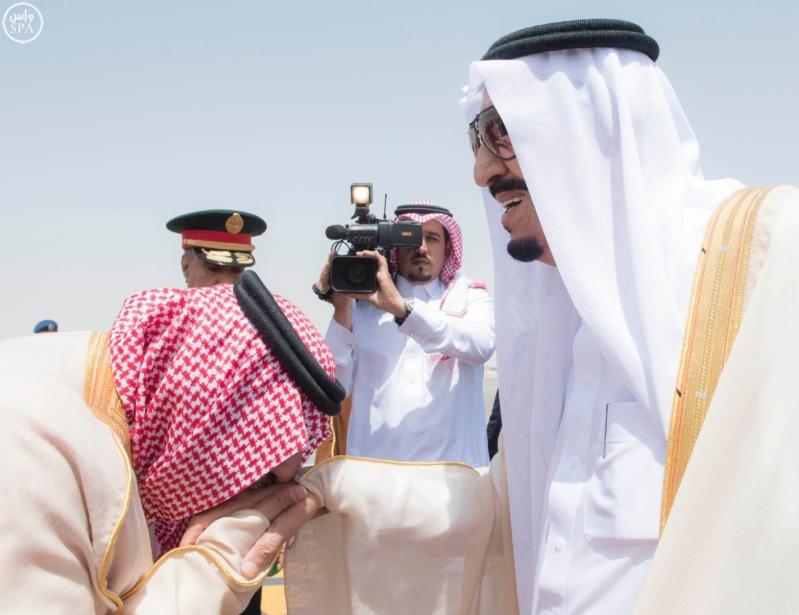 الملك يغادر الرياض9