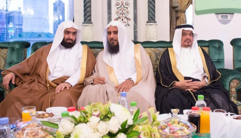الملك يَسْتقْبل رئيس هيئة الأركان الباكستانية ووزيري الشؤون الإسلامية والحج15