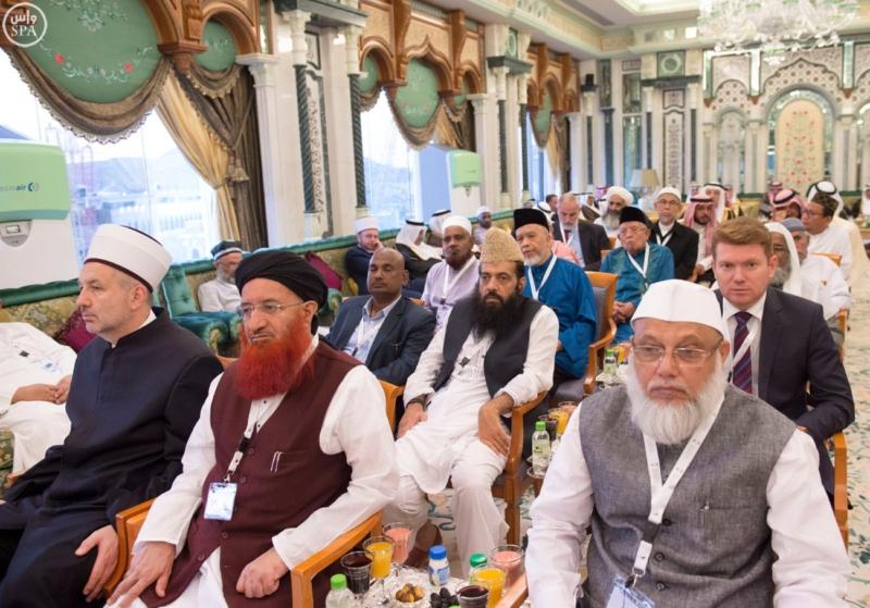الملك يَسْتقْبل رئيس هيئة الأركان الباكستانية ووزيري الشؤون الإسلامية والحج17