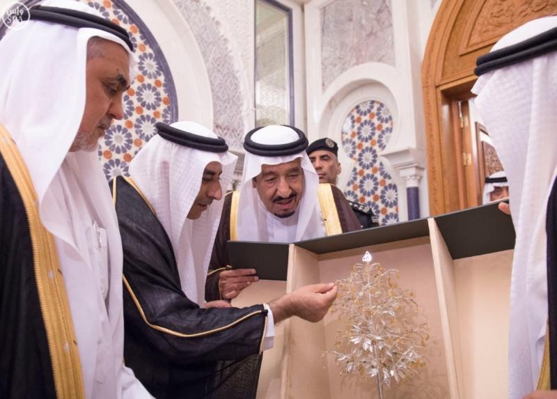 الملك يَسْتقْبل رئيس هيئة الأركان الباكستانية ووزيري الشؤون الإسلامية والحج8