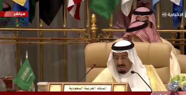 الملك سلمان : النظام الإيراني رأس حربة الإرهاب العالمي