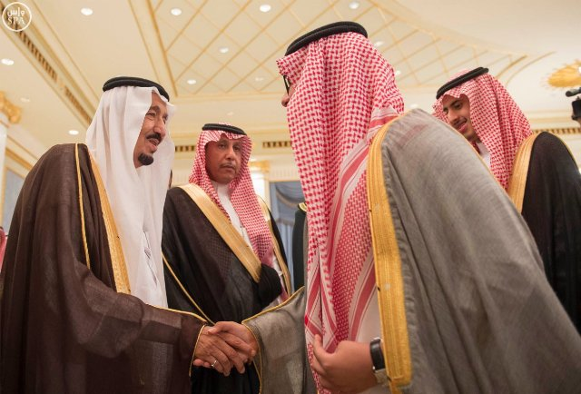 #الملك_سلمان يصل #الرياض (2)
