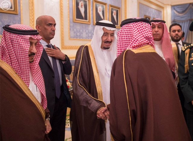 #الملك_سلمان يصل #الرياض (4)