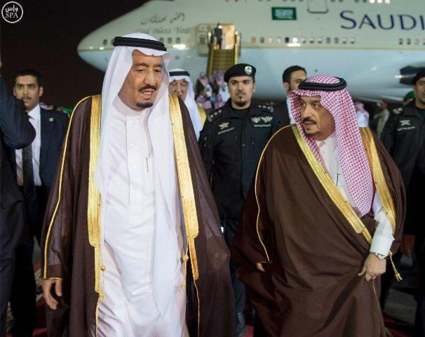 #الملك_سلمان يصل #الرياض (7)