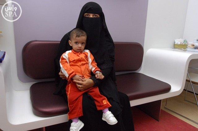 المملكة أجرت عمليات فصل سيامي لأطفال من 19 دولة (6)