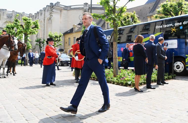 المنتخب الإنجليزي يصل فرنسا  (100257309) 