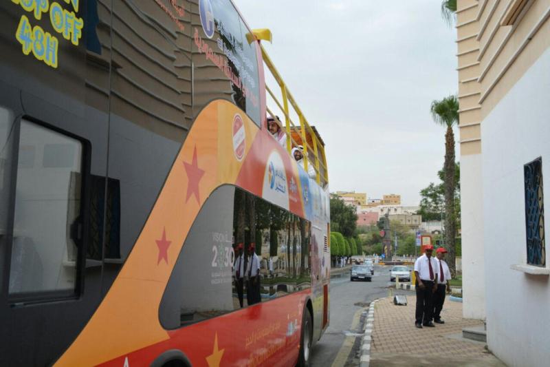 المواطن تُرافق انطلاق التجربة للباصات السياحية (731319317) 
