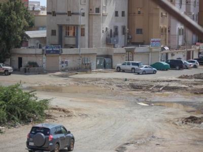 المياه تهدد البنية التحتية بحي الواحة [ جدة ] (29929353) 