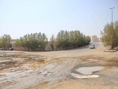 المياه تهدد البنية التحتية بحي الواحة [ جدة ] (29929355) 