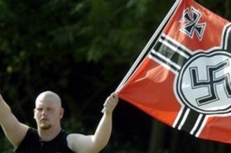 النازيون الجدد يستعدون لاستهداف المسلمين في بريطانيا - المواطن