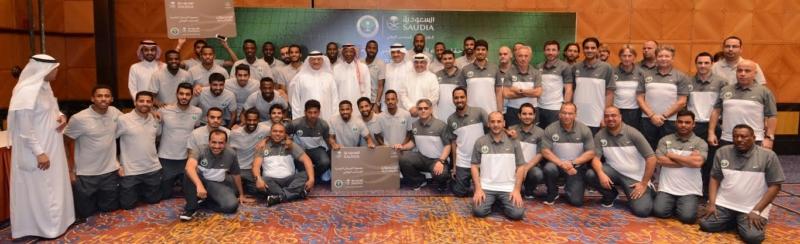 الناقل الوطني للمنتخب يحتفي بـالأخضر في جدة21