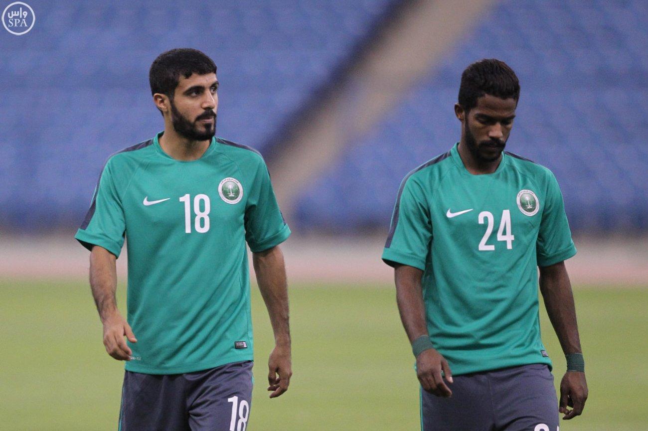 النتخب السعودي يتدرب  تمرين (1)