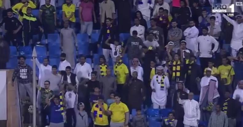 شاهد.. رد فعل غاضب من الجمهور بعد مباراة النصر والباطن