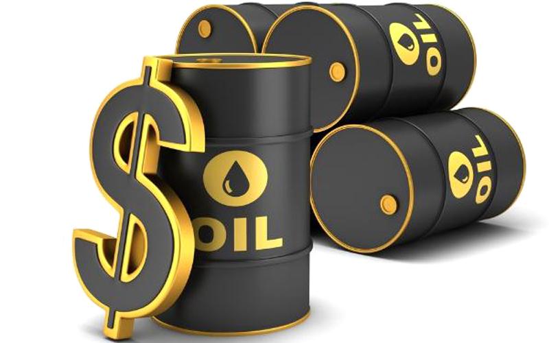 الخلاف التجاري الصيني الأمريكي يهبط بأسعار النفط